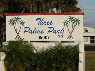 ThreePalmsSign5in