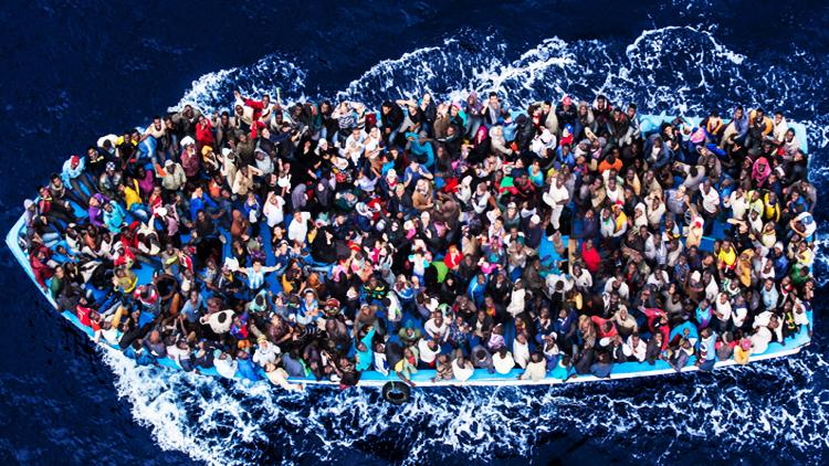 Immigration01boattopview